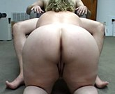 Plump amateur woman with huge ass loves anal sex